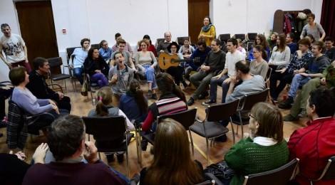 Csíkszeredában tart előadásokat az Osonó Színházműhely
