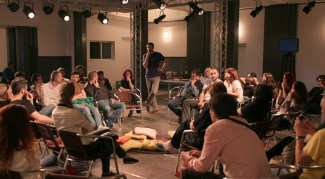 Turnéra indult az Osonó Ismeretlen barátok társasága avagy Piknik egy japán szőnyegen című előadása