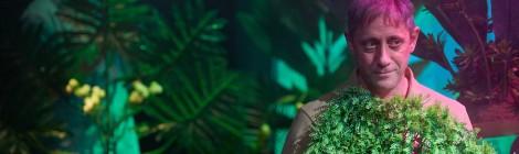 Lát(hatatlan) – kollázs-előadást mutat be a kolozsvári színház
