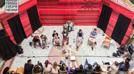 Hátrányos helyzetű fiatalok számára szervez színházi- szociális projektet az Osonó