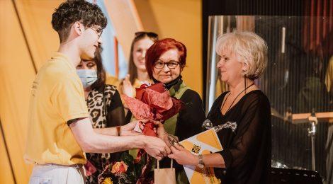 Több díjat adtak át a Tompa Miklós Társulatnál